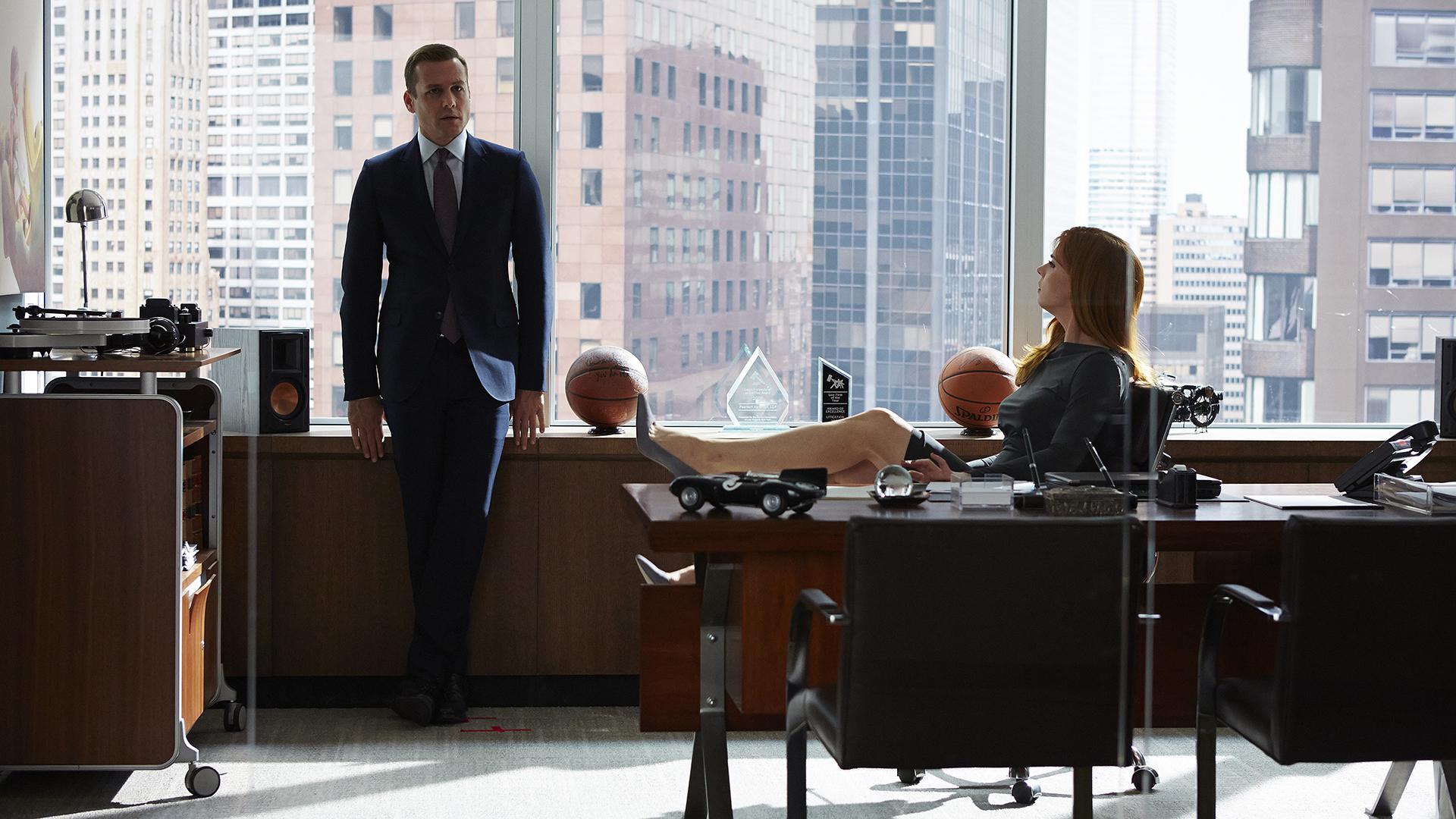 in ufficio voglio vestire come gli avvocati di suits