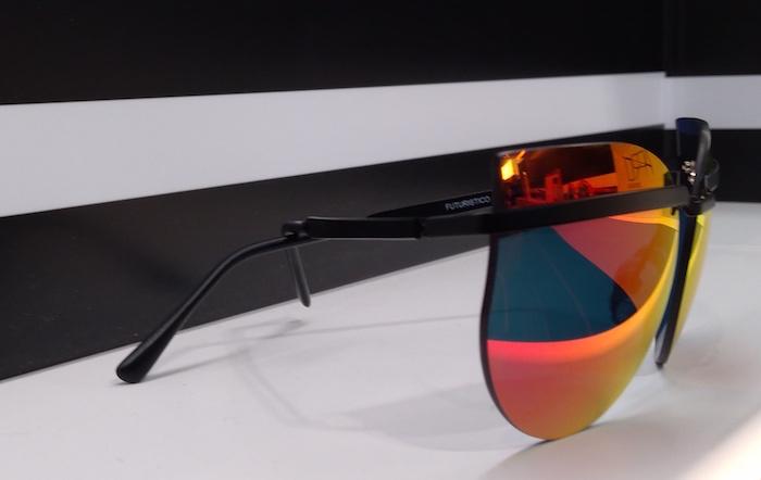 Apro_Spectacles_occhiali_modello_futuristico.