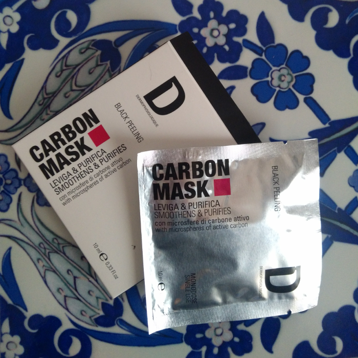 Beauty_routine_bisettimanale_carbon_mask_Dermophisiologique